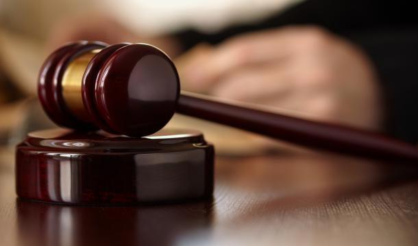 Braquage ''halal'' et prise en otage d'une famille en France : 27 et 20 ans requis