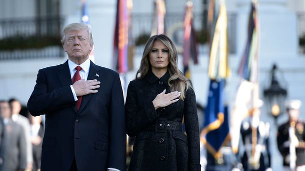 11 Septembre: Trump observe une minute de silence à la Maison Blanche