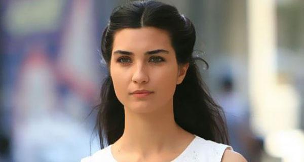 بعد فضح علاقتها برجل أعمال شهير: هروب توبا بويوكستون من تركيا