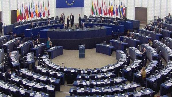 الاتحاد الأوروبي يمدد عقوباته ضد روسيا عامًا إضافيًا