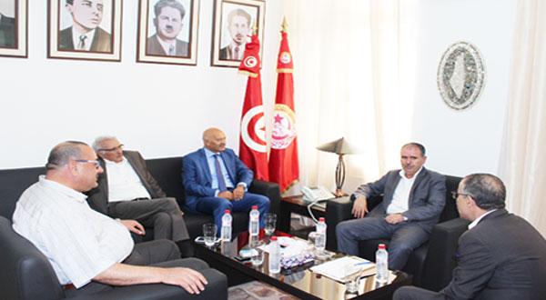 وفد عن حركة 'تونس أولا'يلتقي أمين عام إتحاد الشغل