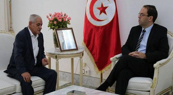 اجتماع طارئ بين يوسف الشاهد و حسين العباسي