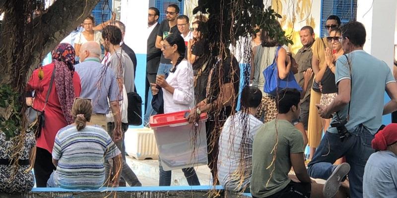En photos : A La Marsa, Les urnes sont arrivées après les électeurs