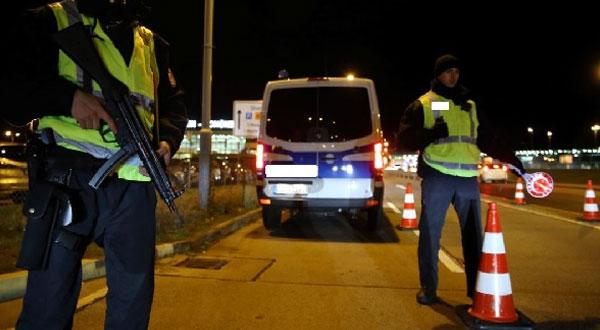 Un chauffeur ivre fonce sur la police à Tunis