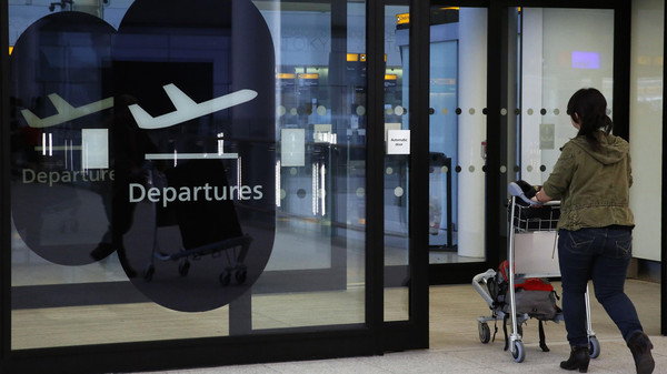 تقنية جديدة.. لتفتيش حقائب السفر دون تفريغ الإلكترونيات