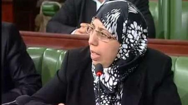 Yamina Zoghlami voudrait prolonger le congé de maternité à 6 mois ?