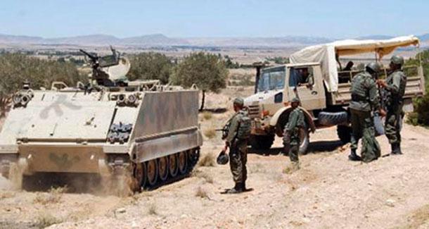 L'armée tire et arrête 5 camions de contrebande dans la zone tampon