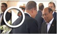 بالفيديو ... رئيس الجمهورية يستقبل بان كي مون بالمطار الرئاسي بتونس