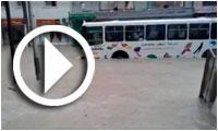 إثر الأمطار الأخيرة : أهمّ شارع في أكودة تحت الماء..بنية تحتيّة هشّة