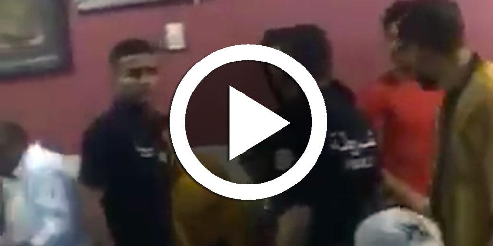 بالفيديو :  الأمنيون في وضعية حرجة في الكاف و في فم المدفع مع الشعب