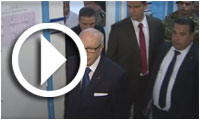 فيديو : السبسي يزور الحبيب الصيد بالمستشفى العسكري