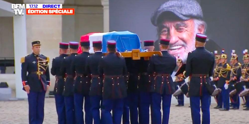 En vidéo : Le cercueil de Jean-Paul Belmondo sort sous les applaudissements