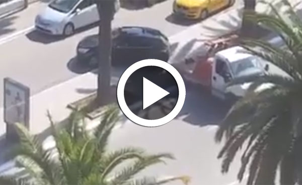 بالفيديو : هكذا ينقل أعوان ''الشنقال '' السيارات ...