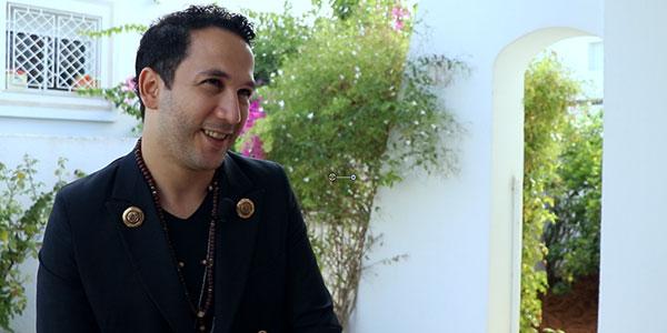 بالفيديو: على أنغام الغيتار: حسان الدوس يغني ''تبعني''
