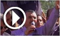 Hachemi Hamdi chante 'Rihet Lebled' en plein centre de Regueb