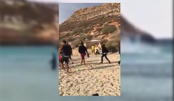 بالفيديو : وصول مجموعة من ''الحرّاقة '' إلى إحدى الجزر الإيطالية