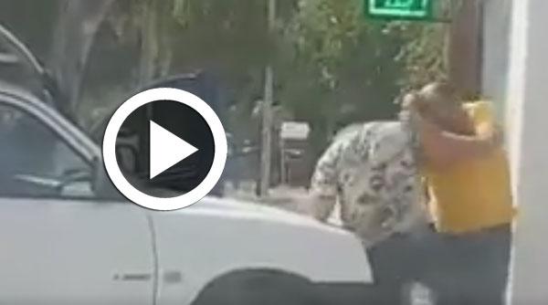 بالفيديو : عندما تتحوّل حشيشة رمضان إلى شجار و عنف وسط الطريق العام