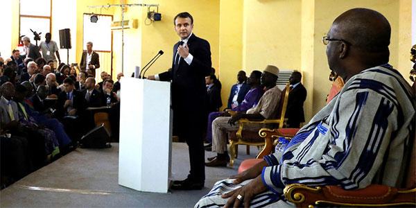 Macron humilie le président Burkinabé qui quitte la salle