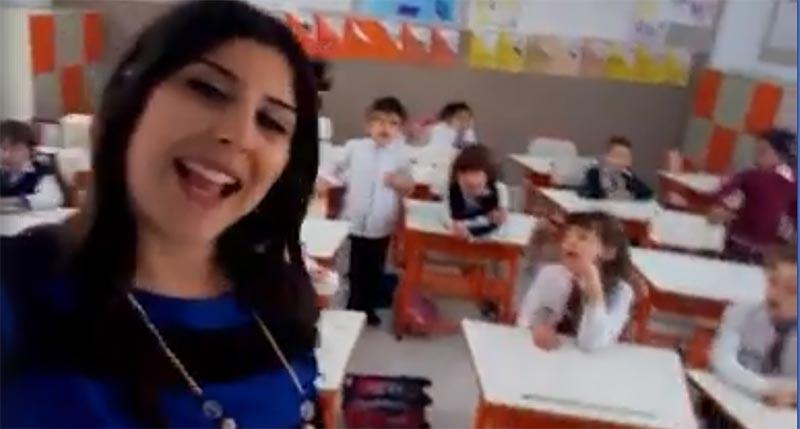 بالفيديو: معلمة تونسة ترقص و تغني مع تلاميذها تبهر الجميع
