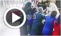 مصر : صاحب محل ذهب يصفع فتاة حاولت سرقته