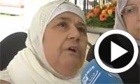 بالفيديو : والدة الشرطي الفرنسي المسلم 'أحمد مرابط' خلال جنازة ابنها