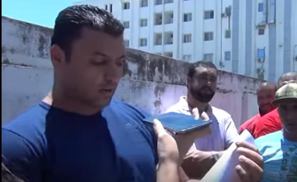 بالفيديو: بعد ان احتجّ أمام حركة النهضة...مرافق الغنوشي يعتذر ''غلطوني وان شاء الله الشيخ يحسبني كي ولدو''