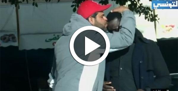 بالفيديو: شاهد ردّة فعل التونسيين أمام موقف عنصري تجاه إفريقي