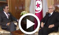بالفيديو : رئيس الجمهورية يستقبل وزير الدفاع الوطني السيد فرحات الحرشاني