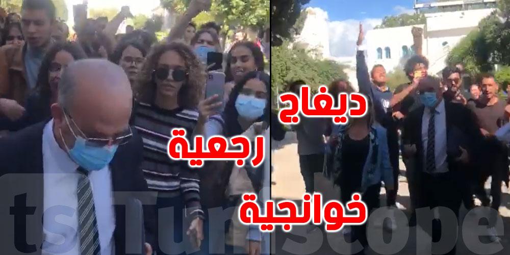 بالفيديو: طرد و''ديغاج '' في وجه سمير ديلو من كلية العلوم القانونية و السياسية