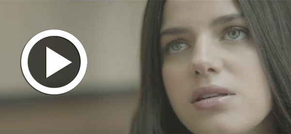 Sonia Ben Ammar reprend la chanson How Deep Is Your Love