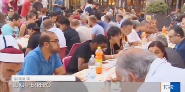 إفطار جماعي في مدينة تورينو إيطاليا
