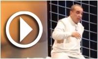 Première de la pièce de théâtre 'In...ach' de Kamel Touati au théâtre municipal de Tunis